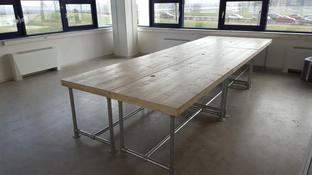 Steigerhout Steigerbuis Tafel : Steigerhouten tafel steigerbuis tafels www.houtenmeubelenbrabant.nl